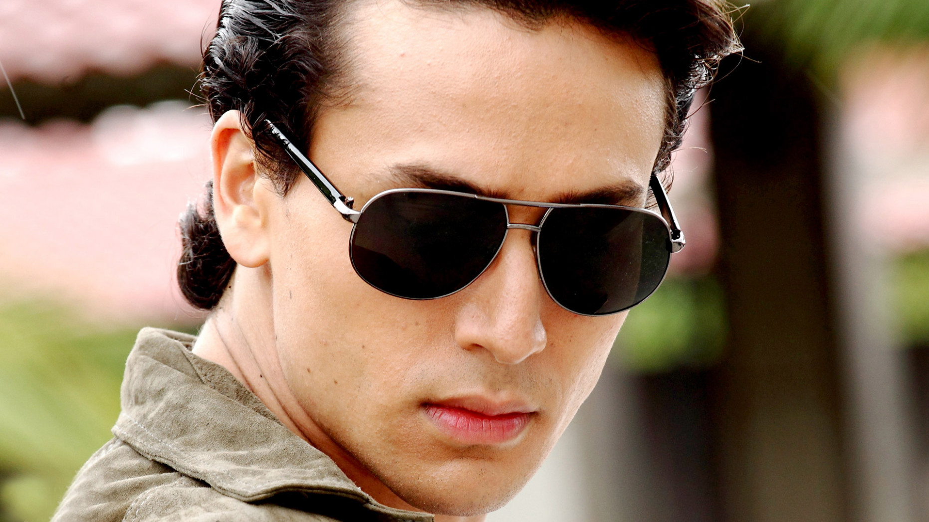 Tiger Shroff Wallpapers from Gym