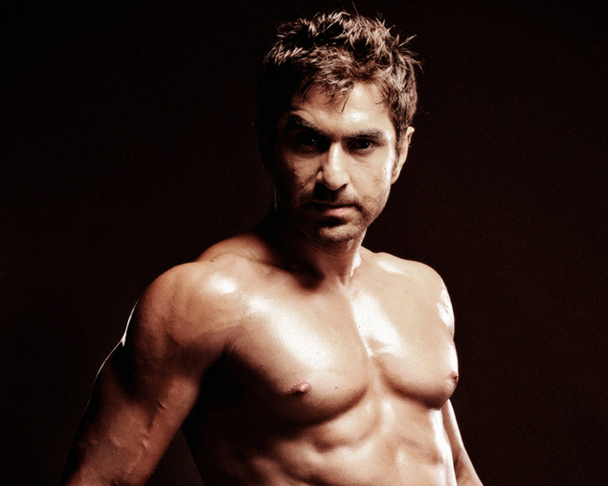 TOLLYWOOD ACTOR JEET SHIRTLESS - Bollywood Wallpaper ...