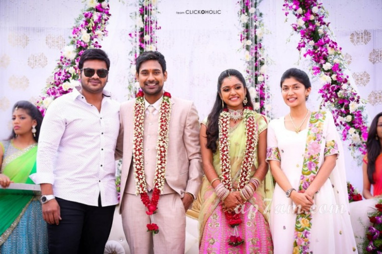 Tollywood Actors Vithika Sheru And Varun Sandesh ...