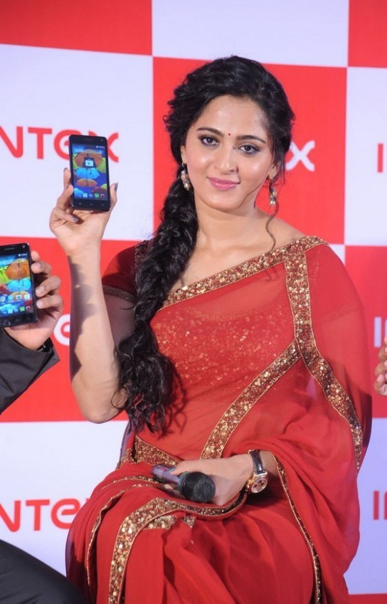 Tollywood Actress Anushka Shetty Photos In Red Saree