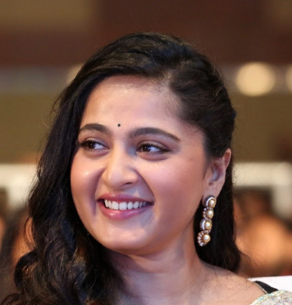 Tollywood Actress Anushka Shetty Top 10 Spicy Chubby Face ...