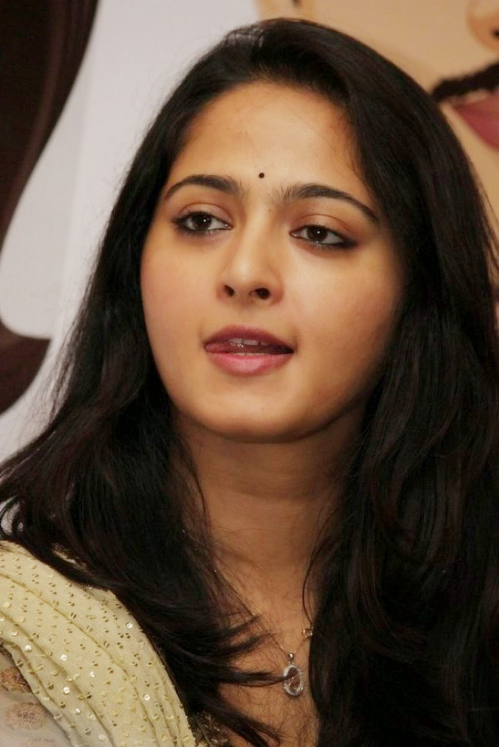 Tollywood Actress Face Closeup Gallery Anushka Shetty ...