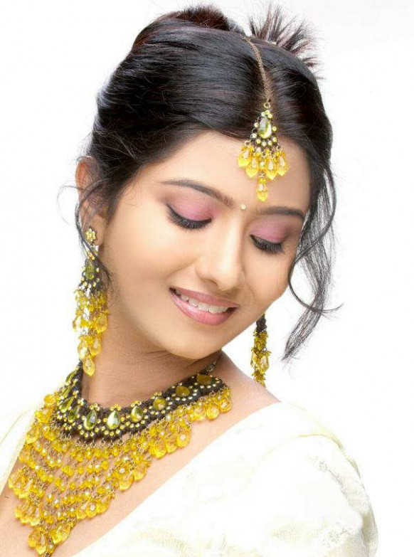 Tollywood Actress HD Beautiful Wallpapers ...