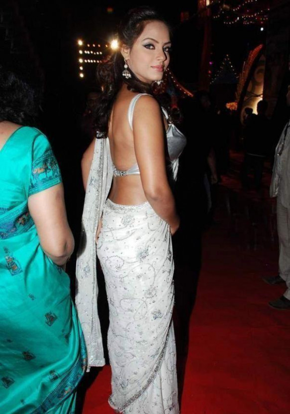 Tollywood Actress in White Saree Hot Pics