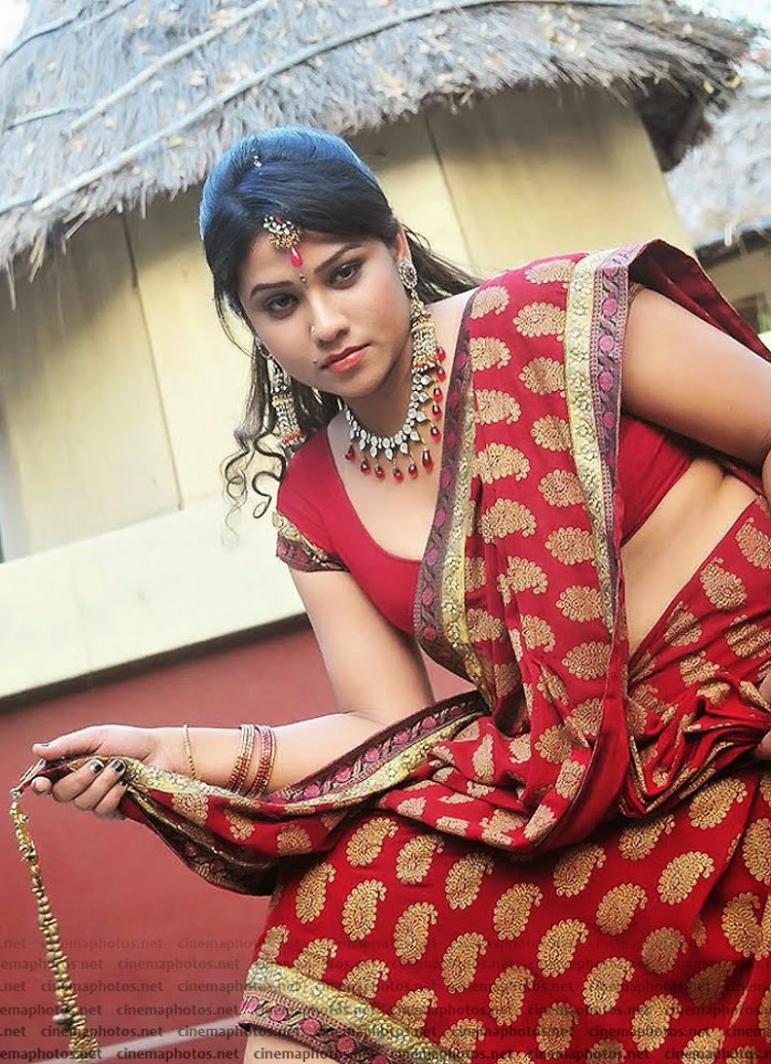 Tollywood Actress jyothi in Saree Pictures - MOVIEEZREEL ...