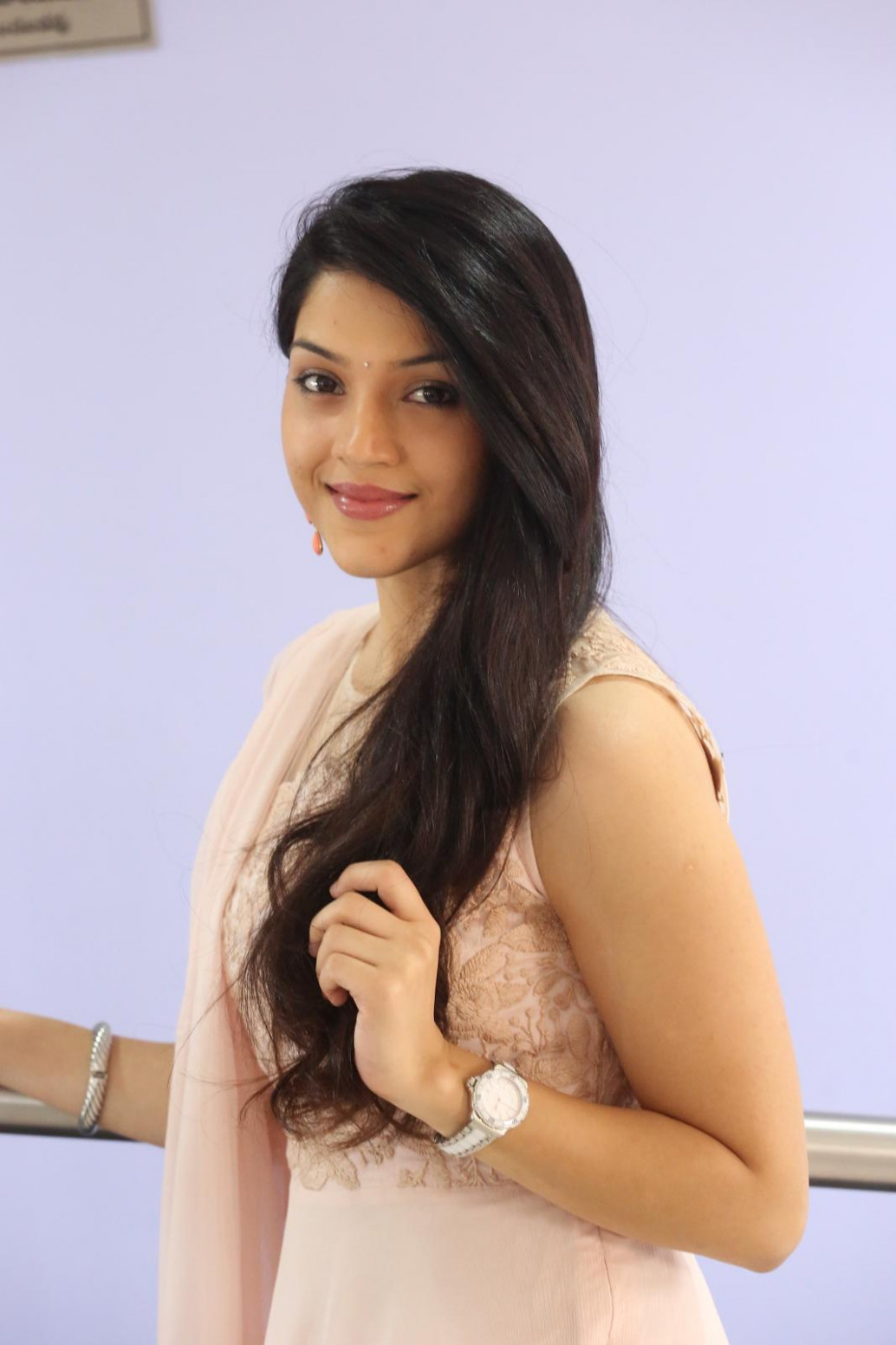 Tollywood Actress Mehreen Kaur | Mamidi Blog