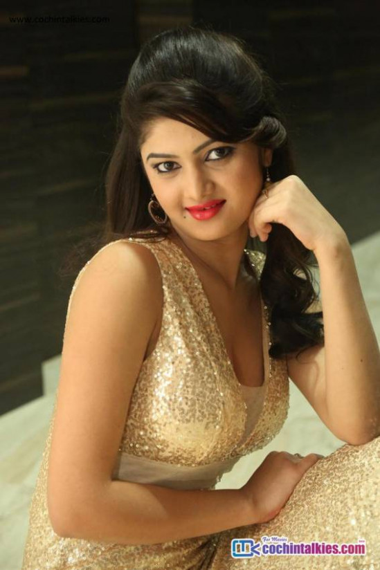 Tollywood Actress Pallavi Hot Photo Shoot Photos ..