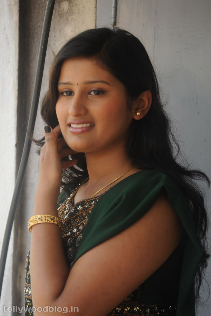 Tollywood Actress Photos: Upcoming Actress Barathi Photos