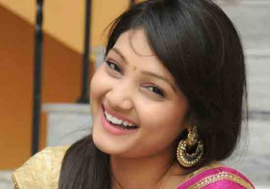 Tollywood Actress Priya Profile Biography Family Photos ...