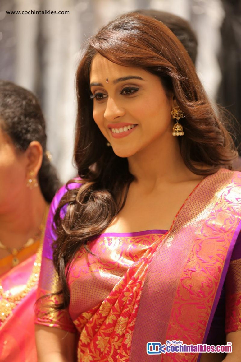 Tollywood Actress Regina Cassandra Saree Photos (49924 ...