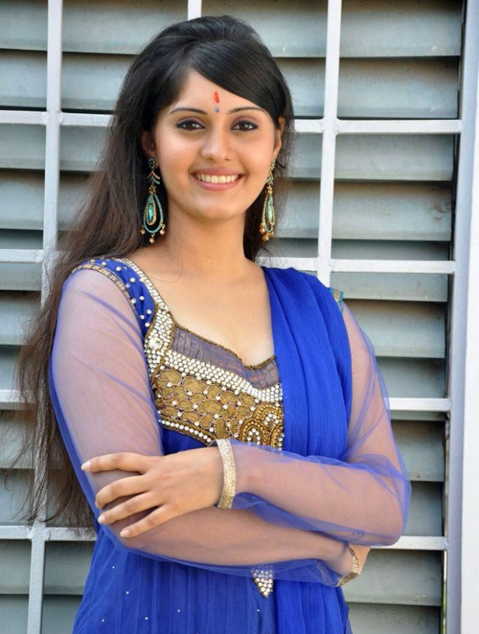 Tollywood Actresses Surabhi Unseen Stills in Punjabhi ...