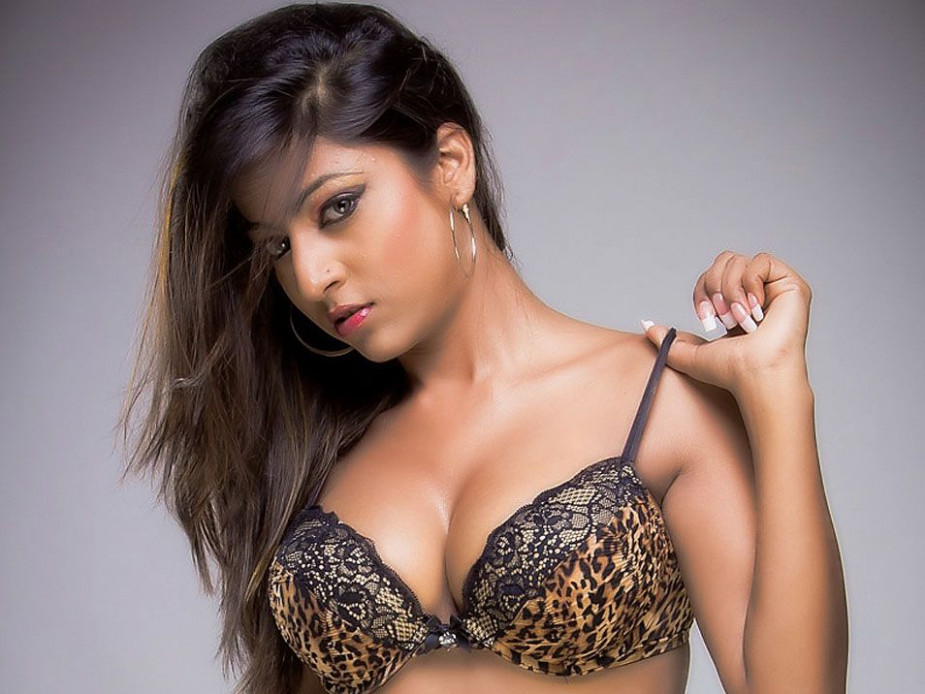 Tollywood actresses who are EXTREMELY HOT!!!!!!