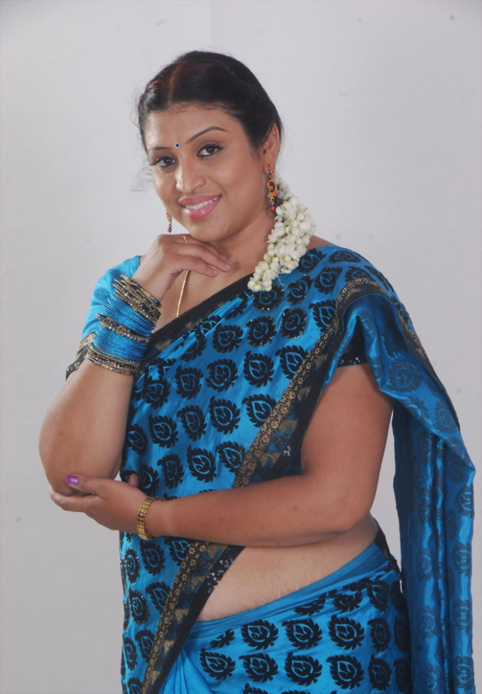 Tollywood Masala Actress UMA Hot Saree Images Collection ...