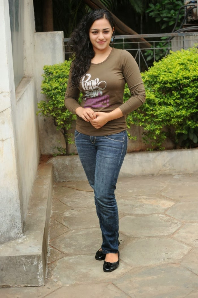 tollywood : Nithya Menen (Menon) Biography, Wiki, Height ...