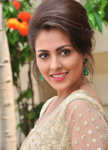 Tollywood Telugu Actress Madhu Shalini HD Wallpapers Photo ...