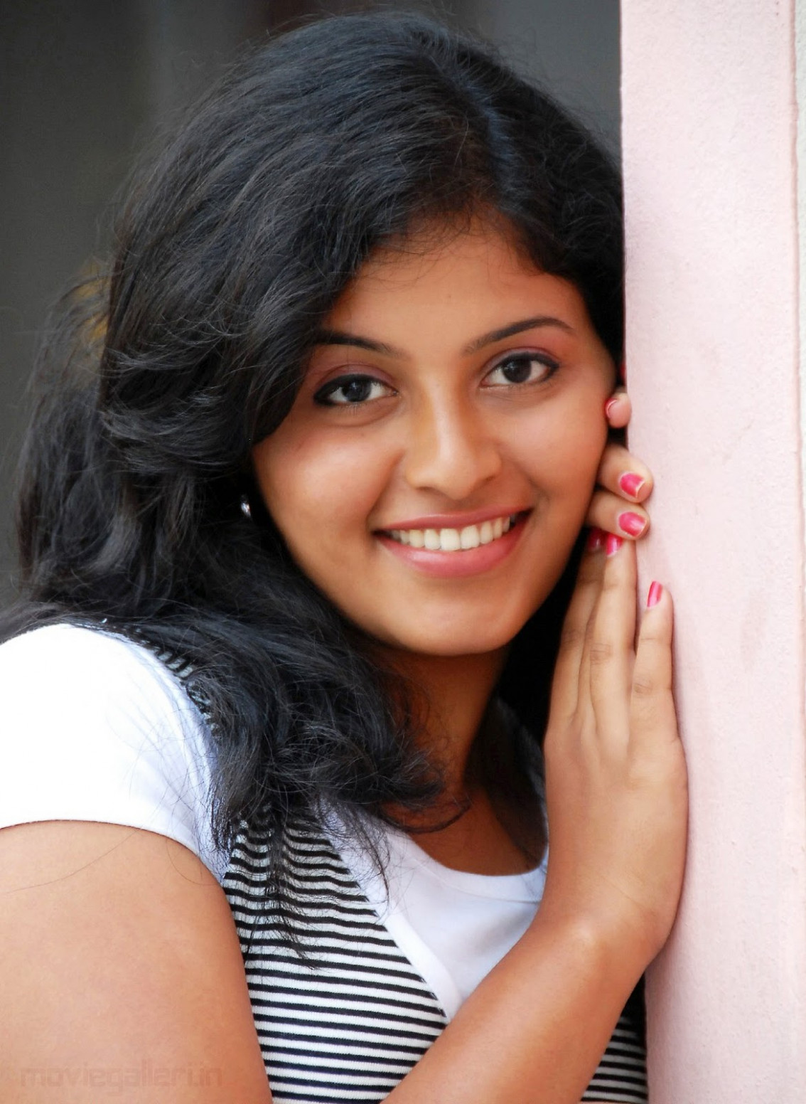 TOLLYWOOD TRIP: Actress Anjali Photos