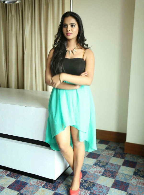 tollywood upcoming dusky sexy actress heroine manasa ...