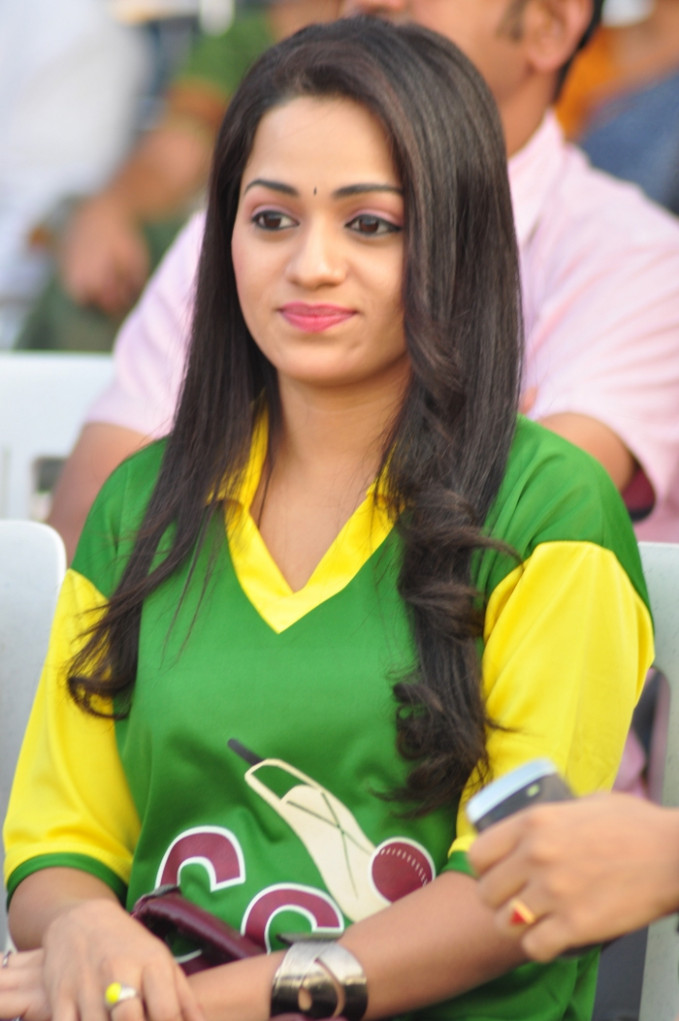 Tollywood Vs Bollywood Cricket Photo Gallery