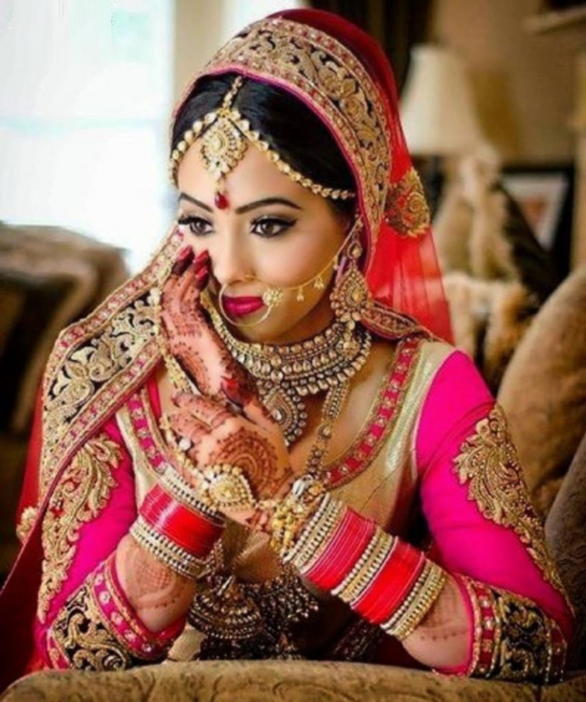 Top 10 Most Beautiful Indian Bridal Sarees Looks - Yabibo.com