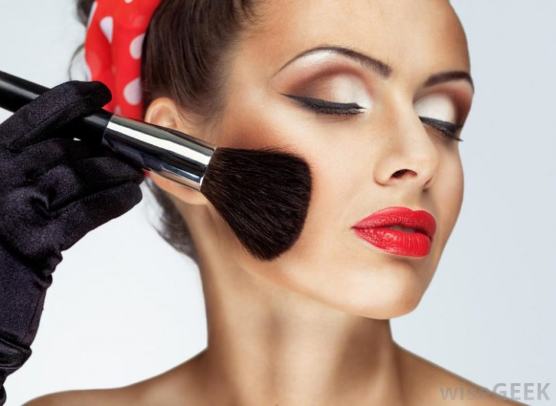 Top 10 Most Popular Make Up Brands In India That Are Worth