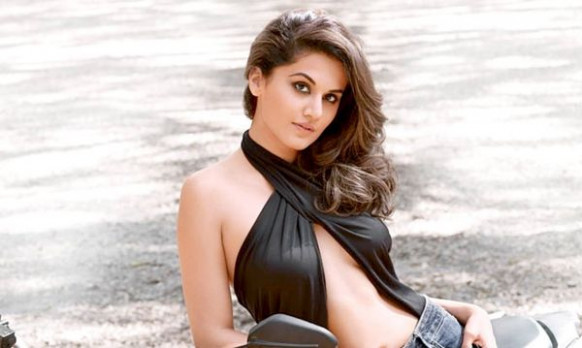 Top 10 Sexiest And Hottest Tamil Actresses Of 2017