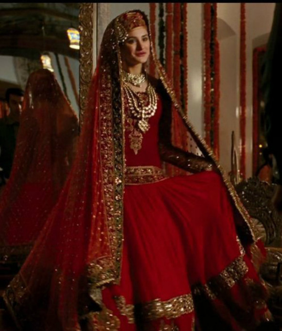 Top 5 On-Screen Bollywood Wedding Outfits - Fullonwedding