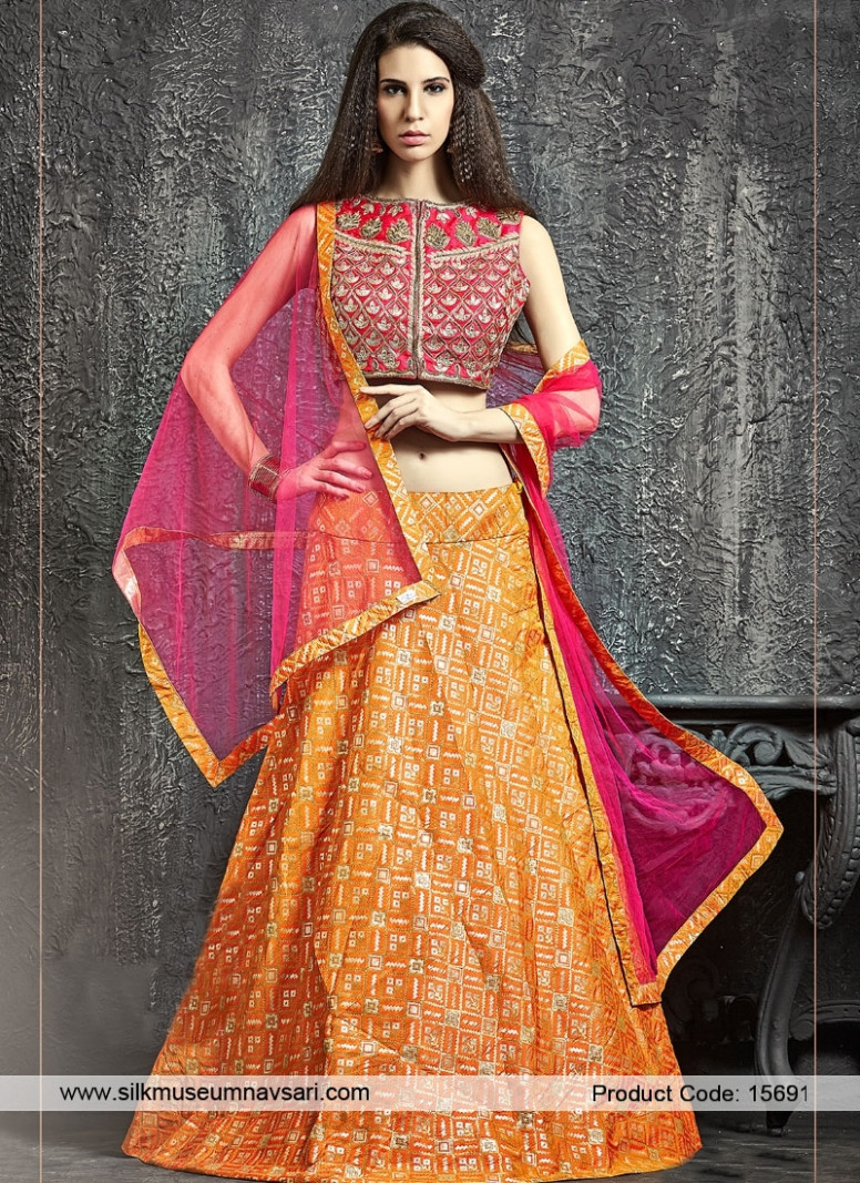 Traditional Indian Bridal Wear Designer Lehenga Collection ...