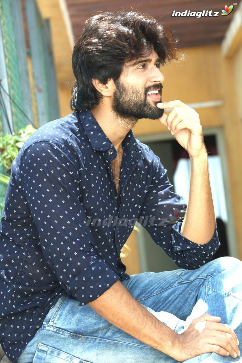Vijay Devarakonda Gallery - Telugu Actress Gallery stills ...
