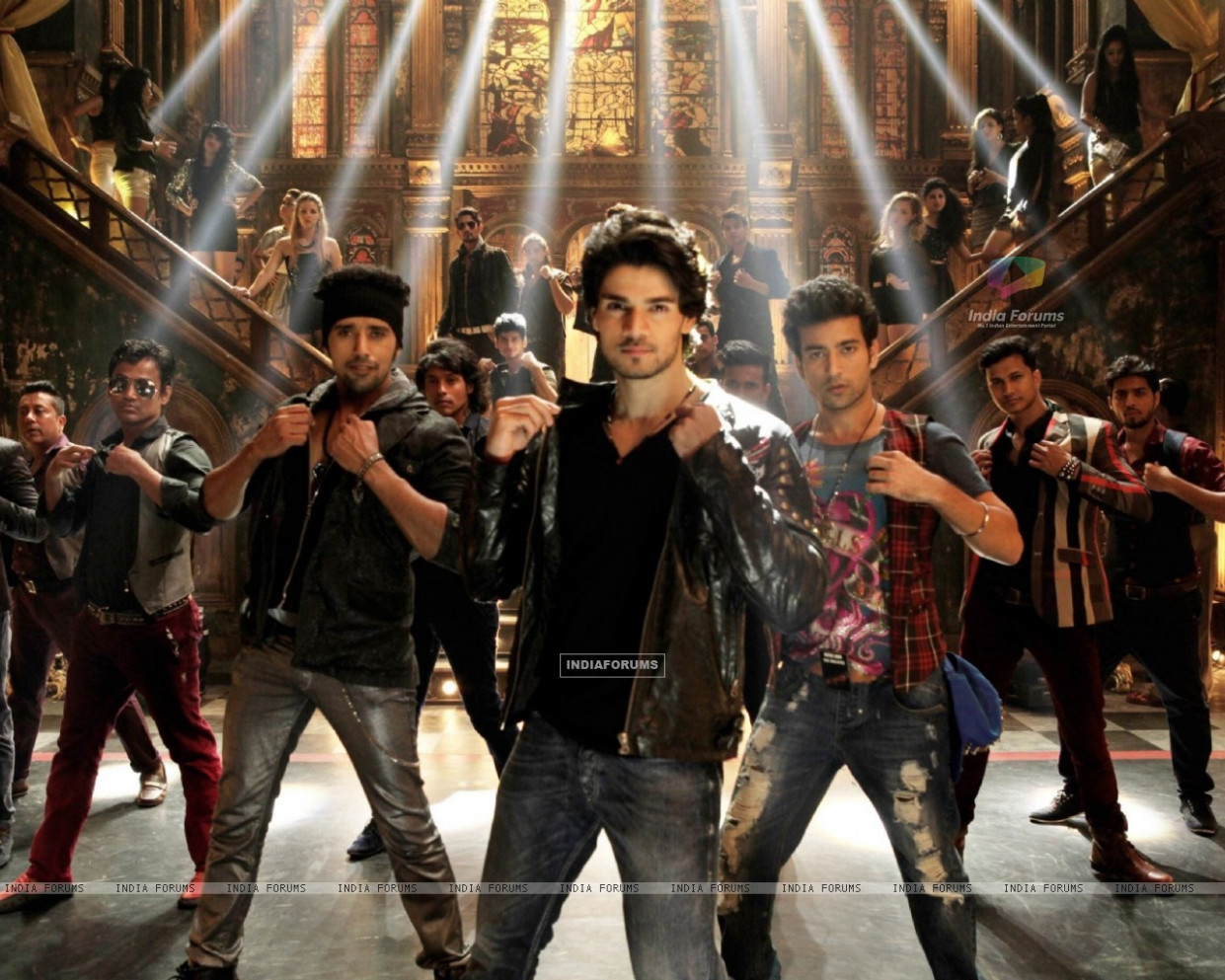 Wallpaper - Song 'Dance Ke Legends' Stills from Hero ...