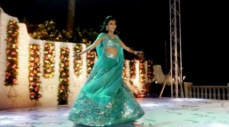 WATCH: This bride's beautiful dance at her wedding will ...