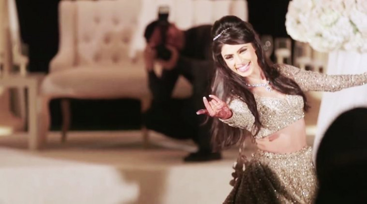 WATCH: This bride's beautiful dance on a soulful Bollywood ...