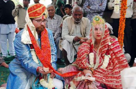 Wedding couples enter Bollywood heaven - World - theage.com.au