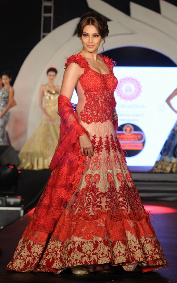Wedding dresses for girls - Trending Indian Bridal Outfits