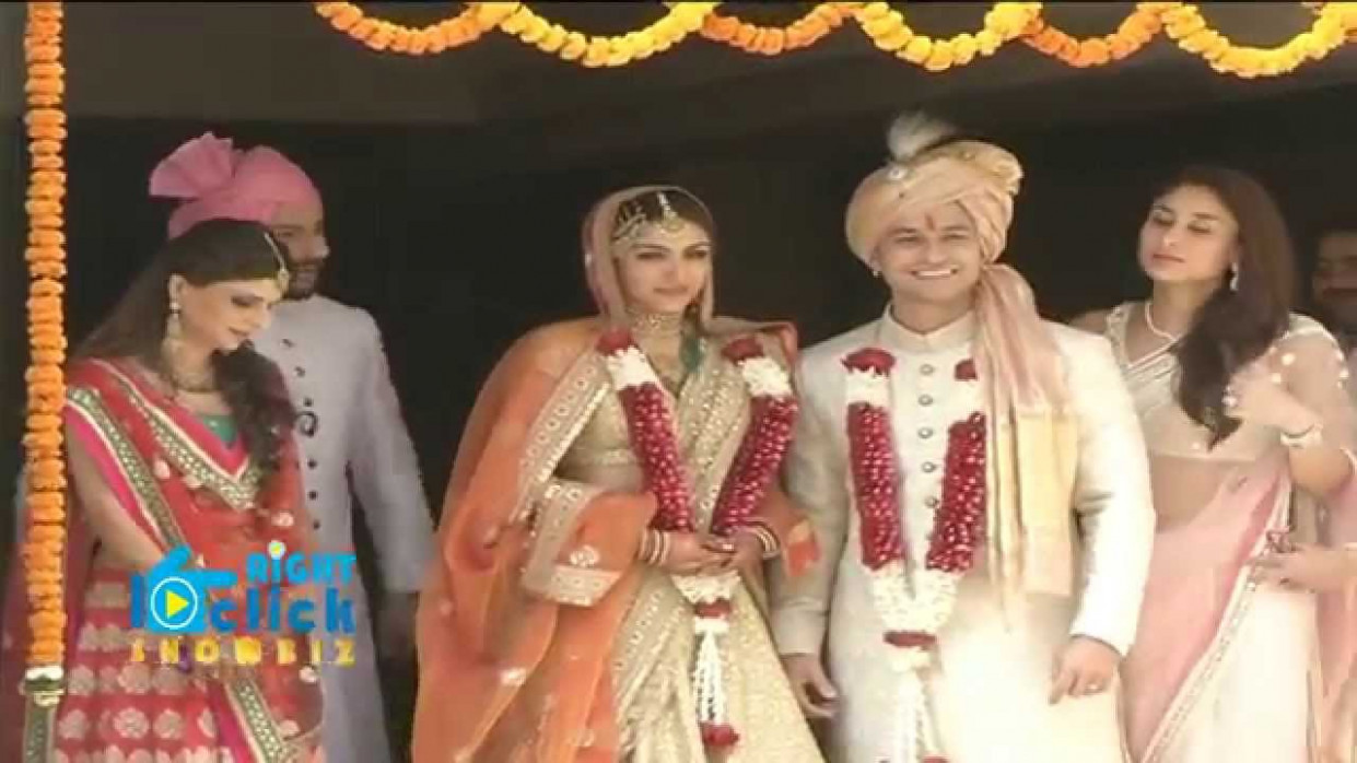 Wedding Reception of Soha Ali Khan & Kunal Khemu - Full ...