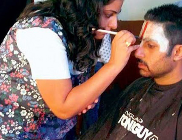 Women can also be make-up artist