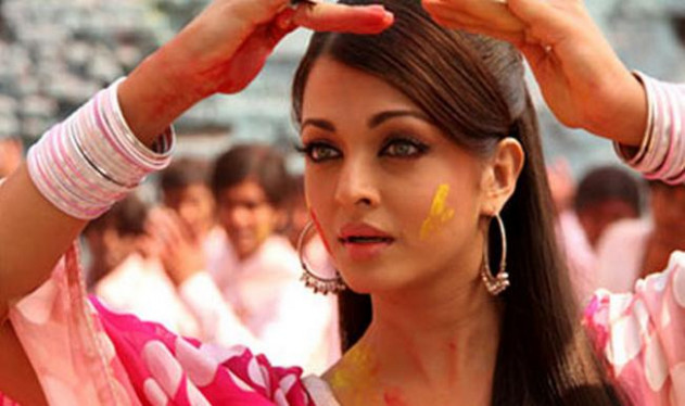 Women make-up artists: Bollywood welcomes Supreme Court ...