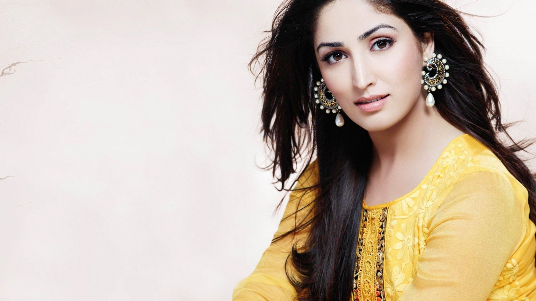 Wonderful bollywood actress hd wallpapers 1366x768 On ..