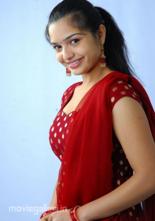 Yamini Actress Photoshoot Pictures | All About Jobs ...