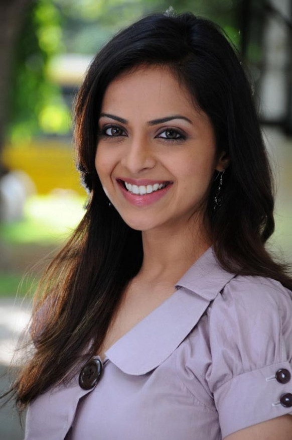 Richa-latest-wallpapers - Tollywood Actress and Actor ...