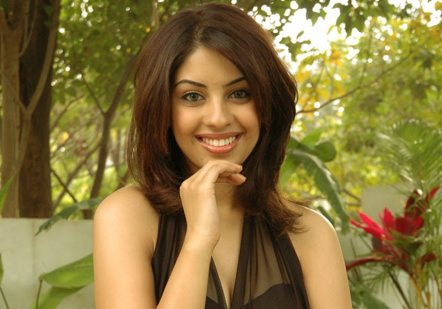 Tollywood Stars Wallpapers: Richa gangopadhyay Hot Pics ...