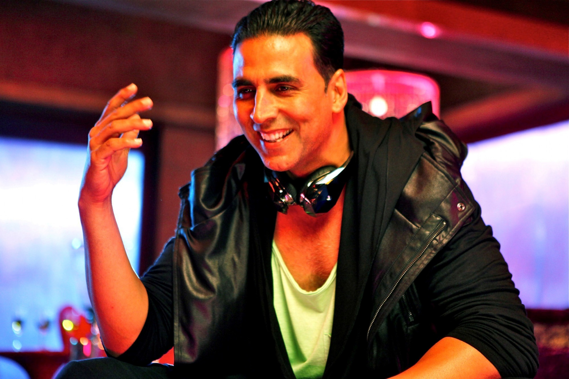 Akshay Kumar in the Boss 2013 Bollywood Movie Song | HD ...