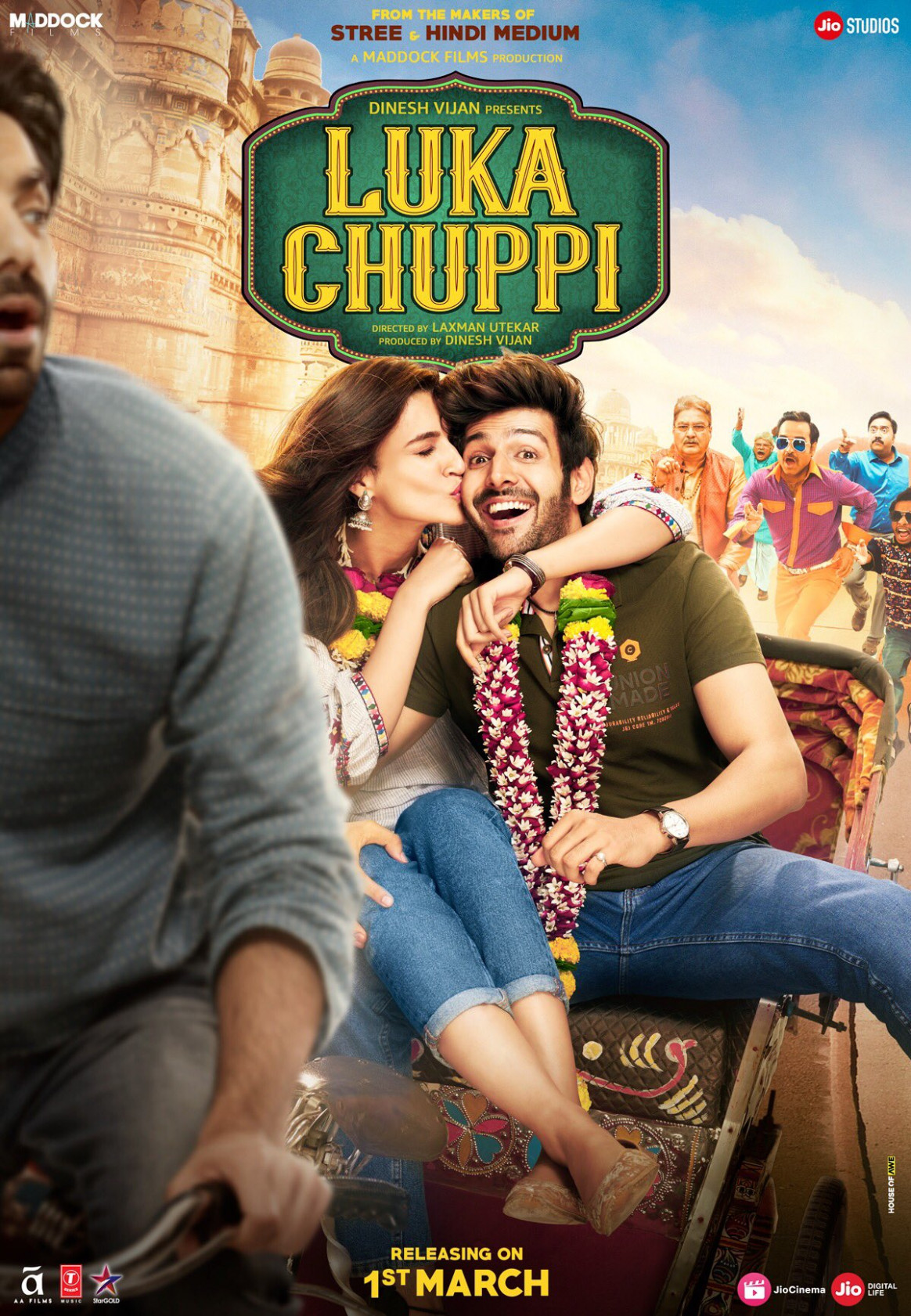 Download Luka Chuppi (2019) Movie HD Official Poster 1 ...