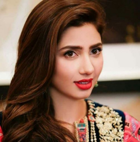 List of Pakistani Actress Name with Photo, Pictures ...