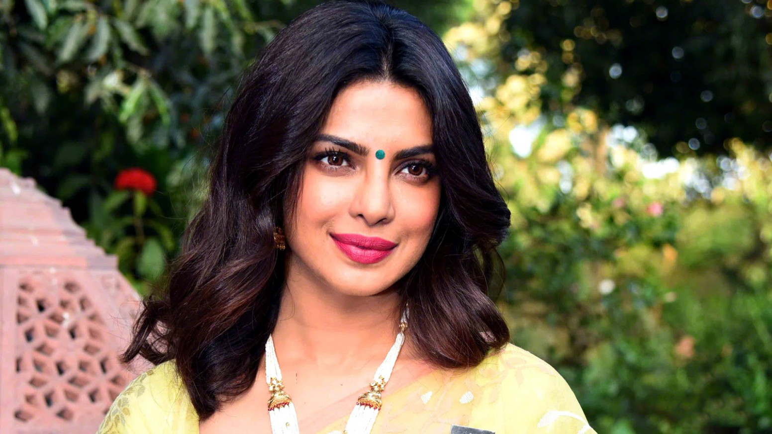 Priyanka Chopra Wallpapers HD Download Free 1080p ...