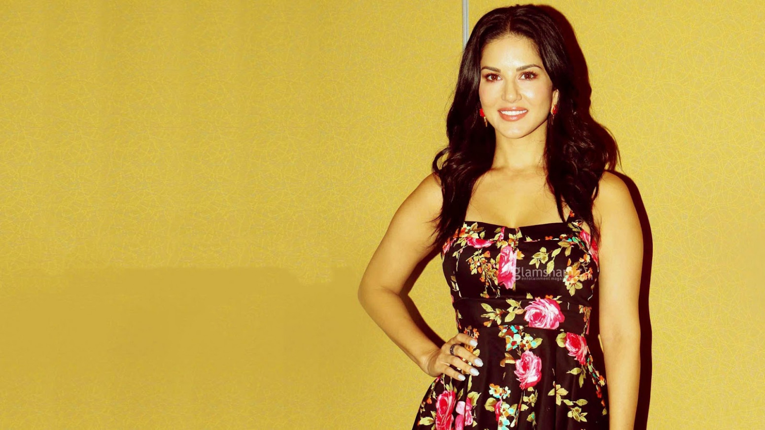 Sunny Leone Wallpapers HD Download Free 1080p ...