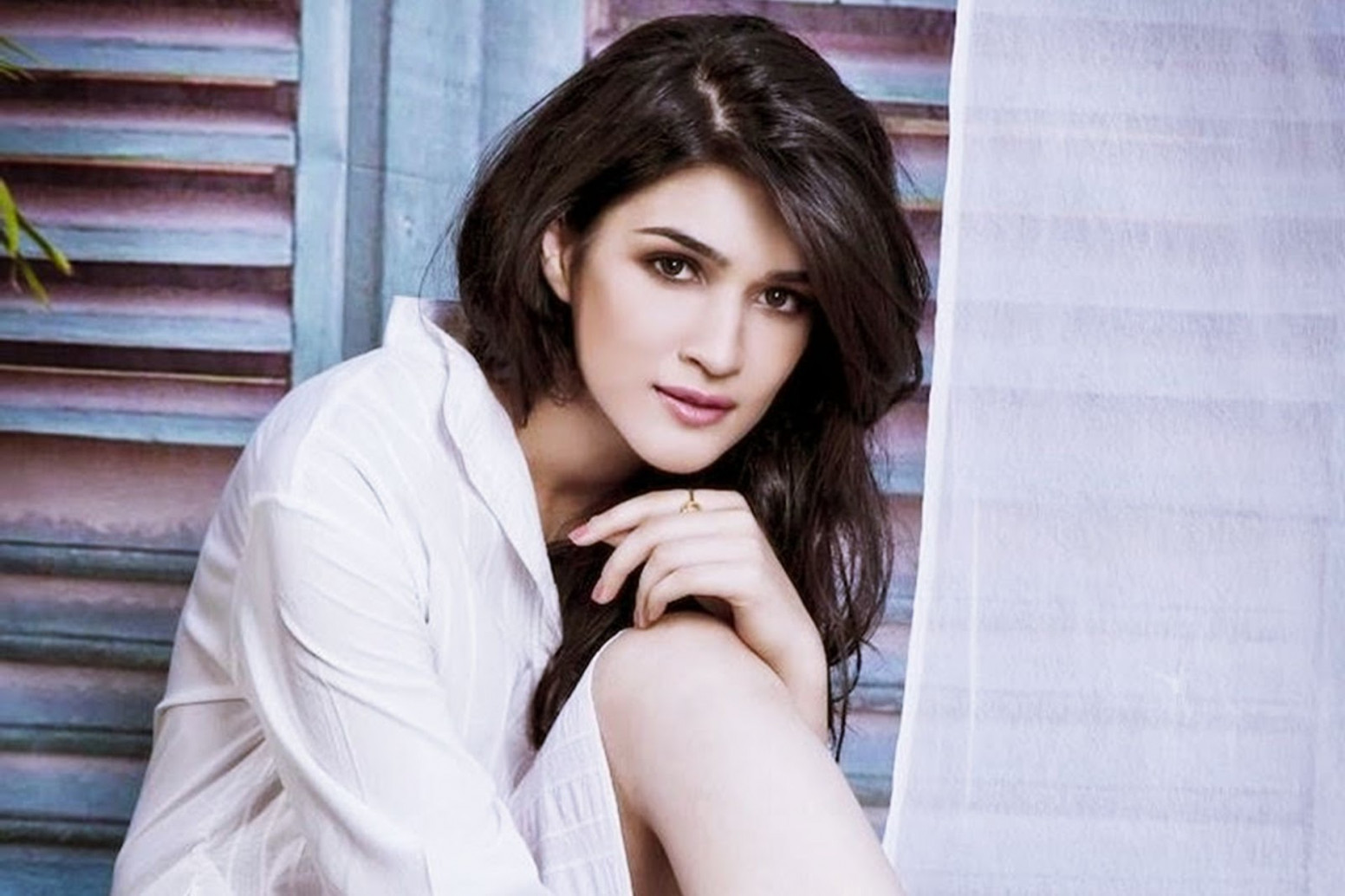 Upcoming Movies Of Kriti Sanon 2016-2017 With Release ...