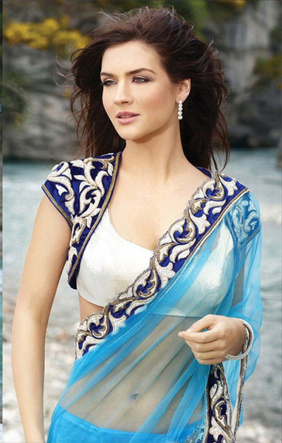 12 Modern Saree Blouse Designs Women should have in