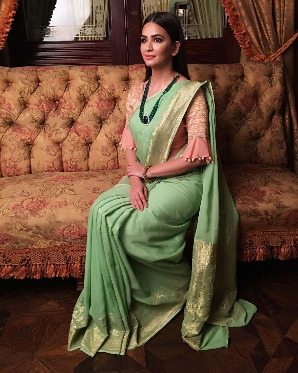 15 Best Ruffle Sleeves and Bell Sleeves Saree Blouse Designs