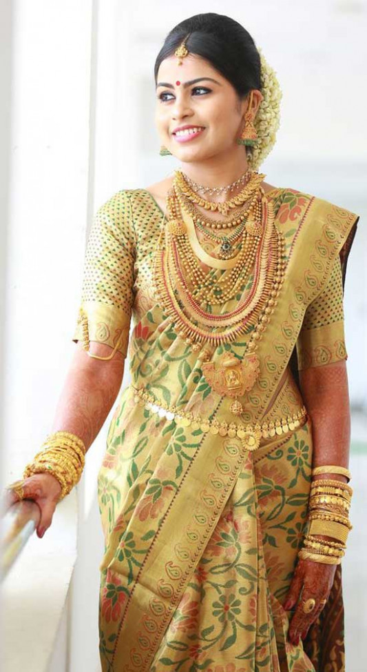15 Kerala Wedding Sarees & Blouse Designs