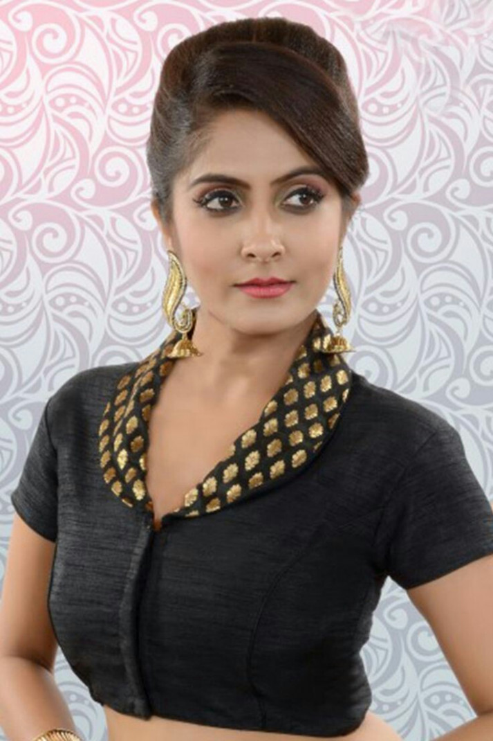 15 Stunning Collar Neck Blouse Designs for all Seasons